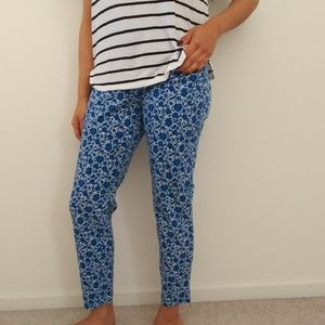 Old Navy Pixie blue/white floral skinny pants sz12